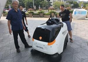 深センの街のお掃除ロボット